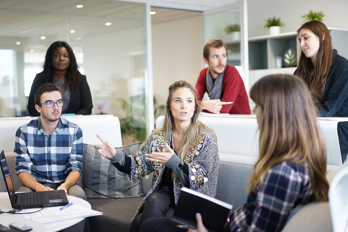 Productive-and-Effective-Meetings-in-Coworking-Space